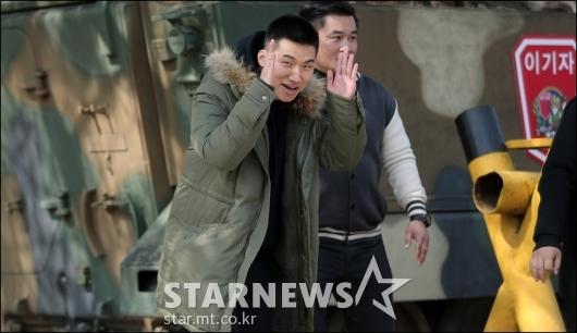 [★포토]입대하는 대성, '언제나 해맑은 미소'