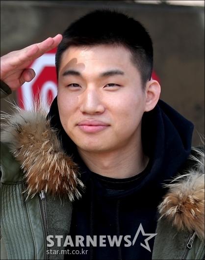 [★포토]대성, '까까머리도 괜찮죠?'