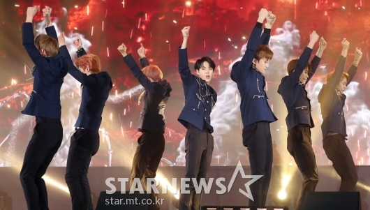 [★포토]NCT 127, '제복 카리스마'