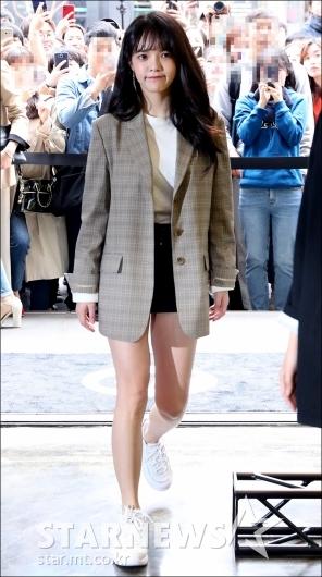 [★포토]지민, '자켓보다 짧은 핫팬츠 입고'