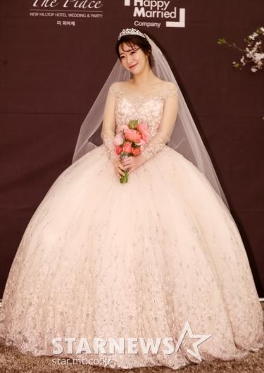[★포토]안소미, '아름다운 벨라인 웨딩드레스'