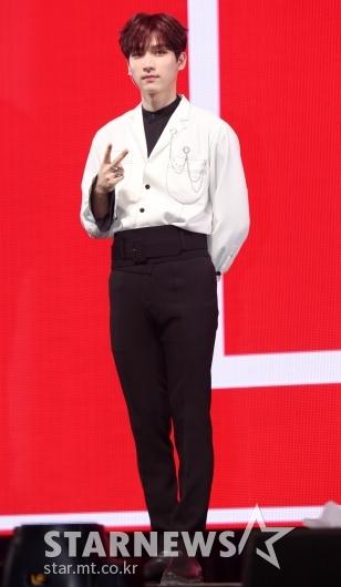 [★포토]혁, '모델 뺨치는 기럭지'