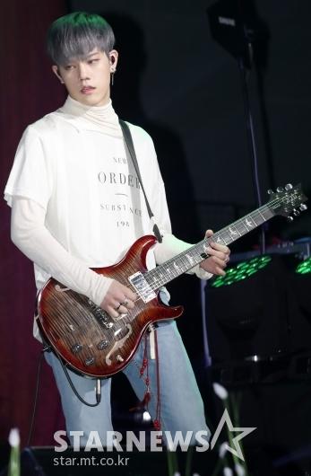[★포토]차훈, '꽃미남 기타리스트'