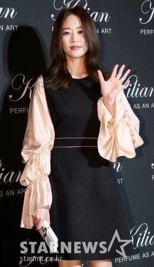[★포토]김효진, '손인사만 해도 아름다워'