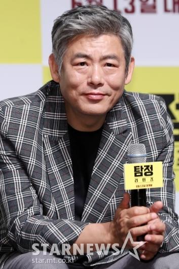 [★포토]성동일, '탐정(?) 표정'