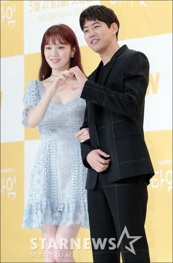 [★포토]이성경-이상윤, '키 평균 180cm 커플'