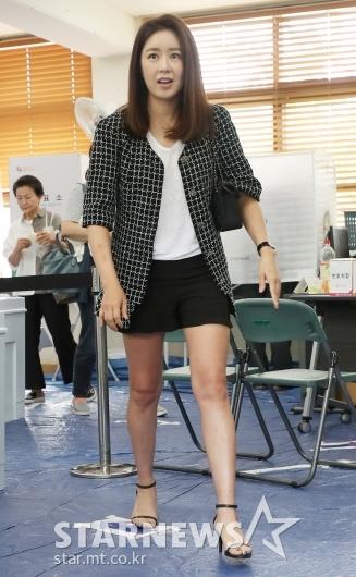 [★포토]김주희 아나운서, '투표 마쳤어요'