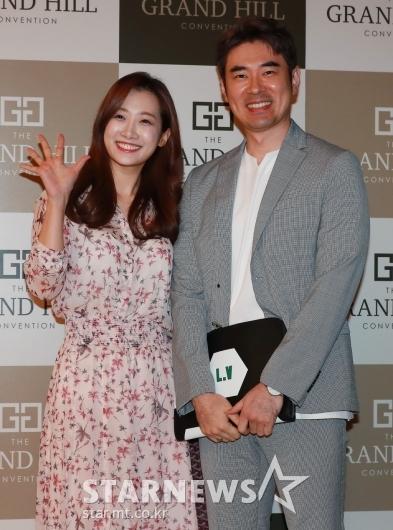 [★포토]조충현-김민정 '미나-류필립 부부 행복하세요'