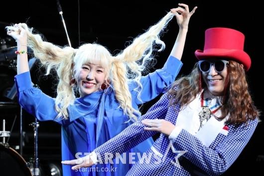 [★포토]신현희와김루트, '미니앨범으로 돌아왔습니다'