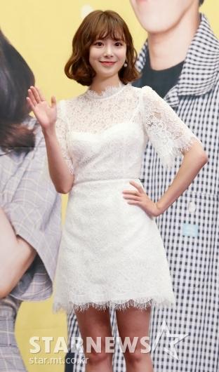 [★포토]김다예, '예쁜 허리 손'