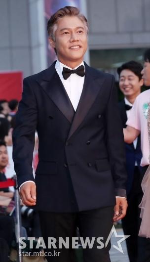 [★포토]박호산, '젠틀한 턱시도'