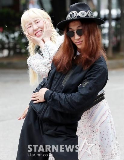 [★포토]신현희와김루트, '멋지게 출근길 포즈'