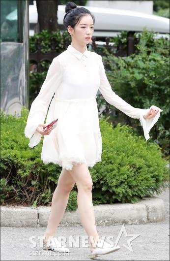 [★포토]윤보미, '청순한 화이트 패션'