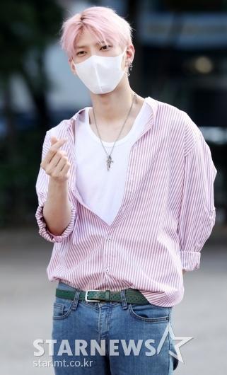 [★포토]레오, '눈에 띄는 핑크 머리색'