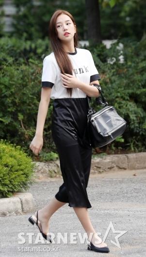 [★포토]솔빈, '블랙 앤 화이트로 꾸민 패션'