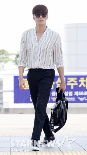 [★포토]성훈, '일본 떠나는 멋쟁이'