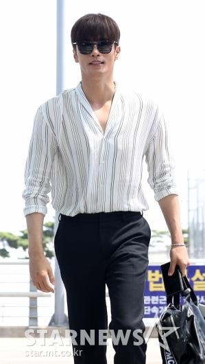 [★포토]성훈, '수영으로 다져진 어깨'