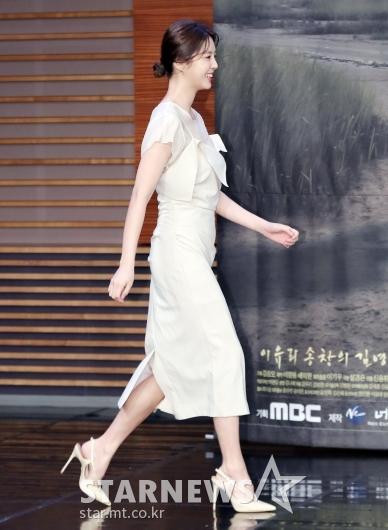 [★포토]엄현경, '모델 뺨치는 기럭지'