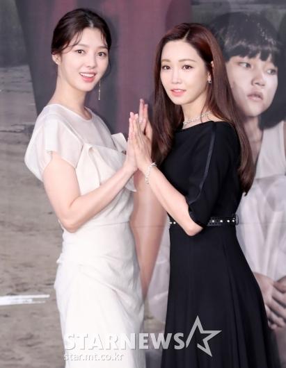 [★포토]엄현경-이유리, '오랜만에 보는 패션쇼 포즈'