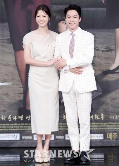 [★포토]엄현경-김영민, '커플룩으로 맞췄어요'
