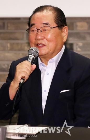 [★포토]영화제 목표 설명하는 이종찬 위원장