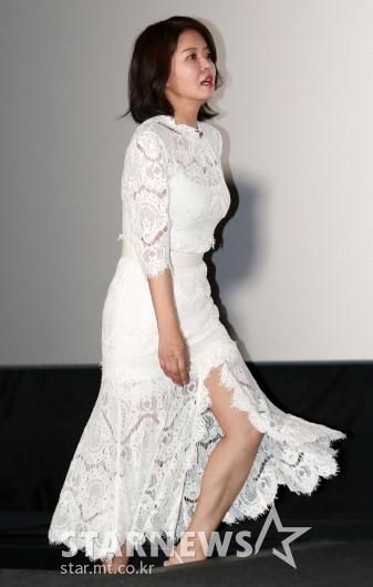 [★포토]김여진, '앞이 트인 시스루 원피스'