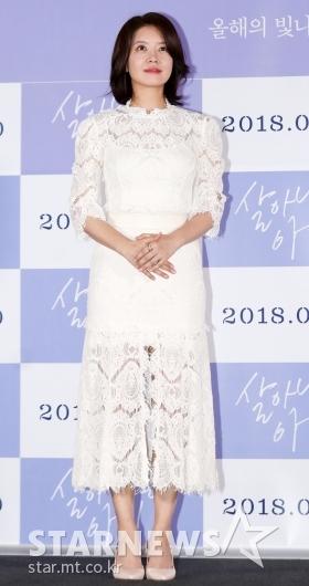 [★포토]김여진, '순백의 시스루 완벽 소화'