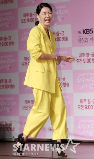 [★포토]안선영, '시선강탈 개나리 수트'