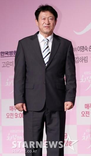 [★포토]김응수, '하희라의 극 중 남편'