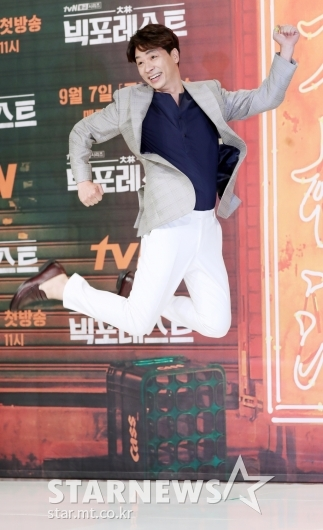 [★포토]정상훈, '모두가 놀란 점프력'