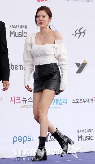[★포토]손담비, 'MC지만 무대의상'