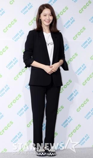 [★포토]윤아, '깔끔한 블랙 앤 화이트'