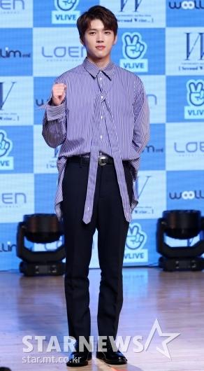 [★포토]남우현, '솔로앨범 잘 부탁드려요'