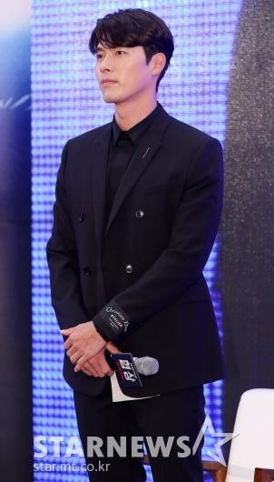 [★포토]현빈, '팬들 바라보는 멋진 눈빛'