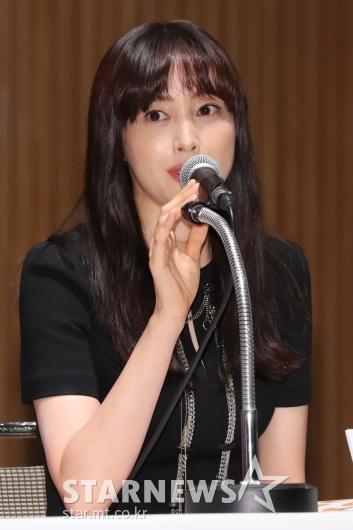 """[★포토]이나영, """"'BIFF' 개막작으로 인사드려요"""""""