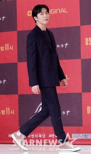 [★포토]김재욱, '걷기만 해도 화보 완성'
