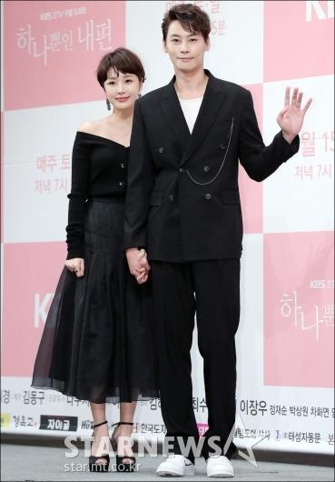 [★포토]윤진이-정은우, '블랙으로 맞춘 패션'