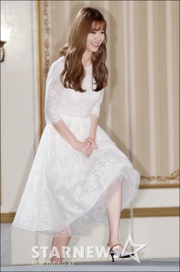 [★포토]에릭의 그녀 나혜미, '오랜만에 떨려요'