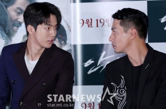 [★포토]남주혁-조인성, '눈빛교환만 해도 영화'