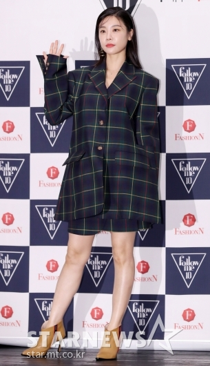 [★포토]소진, '오버사이즈 자켓 하나로 끝낸 패션'