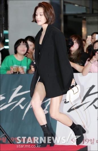 [★포토]김재경, '높은 단상 껑충'