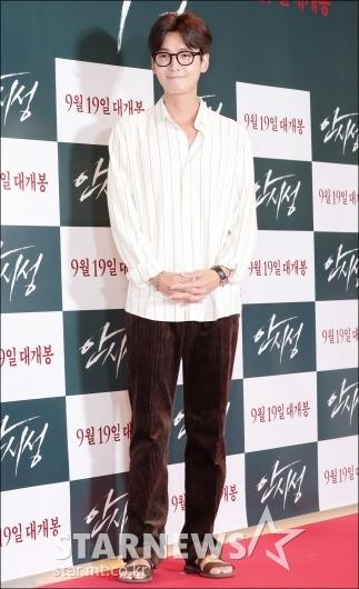 [★포토]정경호, '편안한 패션으로 극장 나들이'