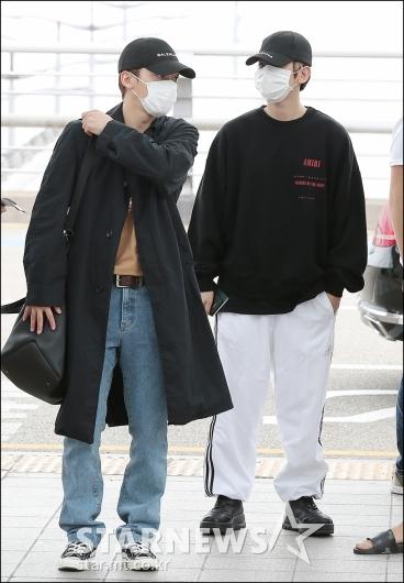 [★포토]첸-백현, '모자와 마스크는 필수'