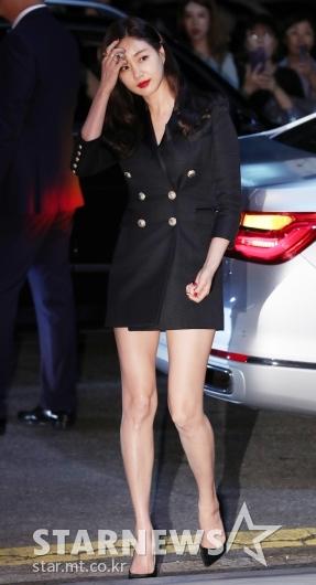 [★포토]김사랑, '가로수길 마비시킨 등장'