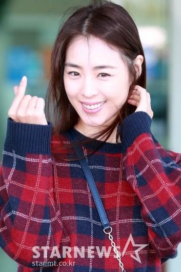 [★포토]이연희 '사랑스런 미소와 하트'