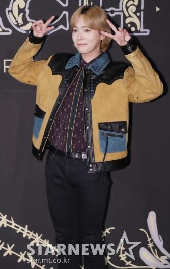 [★포토]김진우, '귀엽게 브이 뿅'