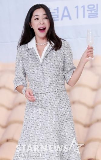 [★포토]이혜영, '막걸리가 정말 맛있는 표정'