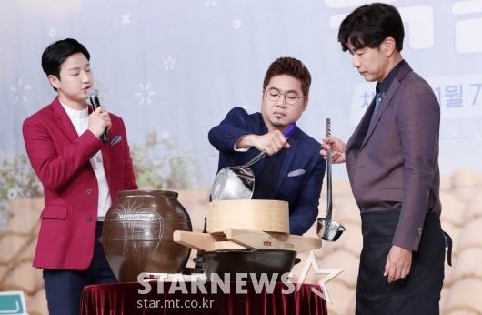[★포토]김조한-이종혁, '장인정신 깃든 막걸리 제조'