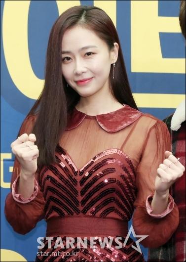 [★포토]파이팅 하는 배우 홍수현