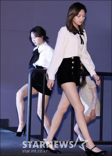[★포토]나연-정연, '눈부신 각선미'